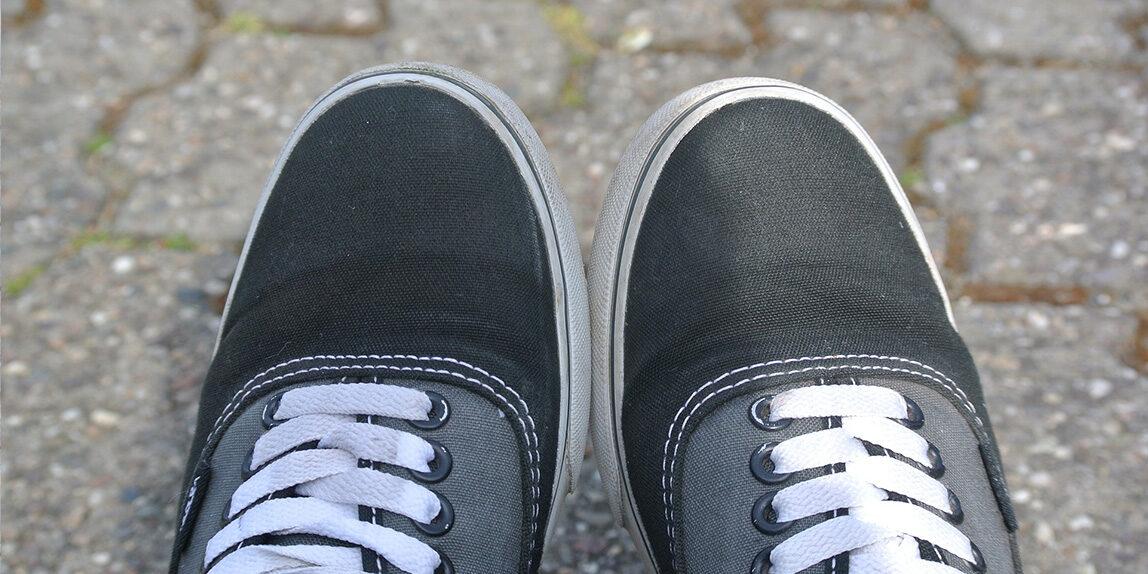 modi per allacciare scarpe